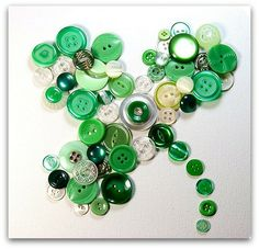 Button Shamrock - makes me wish for my grandmother's tupperware container full of buttons!