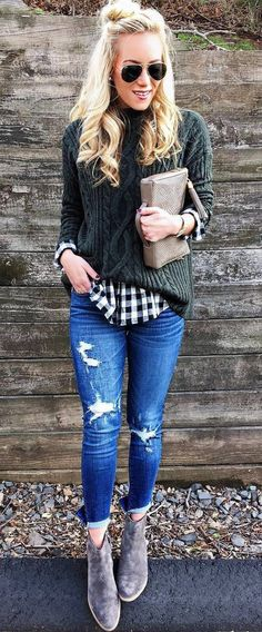 summer outfits Green Knit + Ripped Skinny Jeans