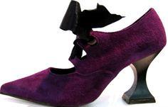 Vintage John Fluevog Purple Suede Lace Front Frugal Pumps