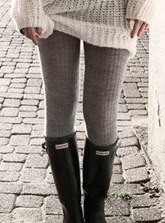 cozy sweater + sweater leggings + boots ||||| Un pull XXL avec des leggings et bottes, toute en donnant un tres grande style d'hiver ! !  http://www.pinterest.com/adisavoiaditrev/boards/