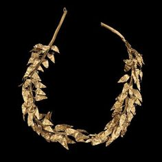 Gold Wreath of olive leaves Greek Late Classical or Hellenistic Period century B. Place of Manufacture: Western Turkey (possibly), MFA Ancient Jewelry, Antique Jewelry, Rome Antique, Hellenistic Period, Or Noir, Gold Wreath, Creta, Greek Jewelry, Ancient Artifacts