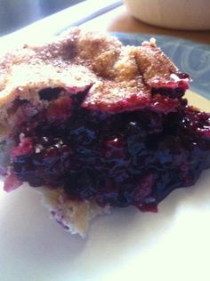 Reduce sugar, add in additional flour for thickening Easy Triple Berry Pie Recipe Triple Berry Pie, Mixed Berry Pie, Mixed Berries, Just Desserts, Delicious Desserts, Yummy Food, Cheesecake Desserts, Fall Desserts, Three Berry Pie Recipe
