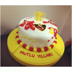 Galatasaray pasta. Takım pastası. Yetişkin pasta. Yetişkin doğum günü.