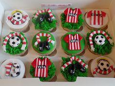 Southampton football club cupcakes Liverpool Cake, Clown Crafts, Southampton Football, Football Cookies, Viera, How To Make Cake, Cake Decorating, Cupcakes, Birthday Cakes