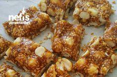 Kıtır Kıtır Fıstık Krokan Tarifi nasıl yapılır? bu tarifin resimli anlatımı ve deneyenlerin fotoğrafları burada. Yazar: ♨♨Hacerin mutfağı Honey Dessert, Baked Potato, Granola, French Toast, Cheesecake, Food And Drink, Meat, Chicken, Baking