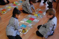 Abelles en acció a l'Escola Pia de Balaguer Robots, School, Robot