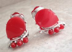 Red Plastic Earrings Thermoset Clip On Vintage Vintage Earrings, Silver Earrings, Vintage Jewelry, Plastic Earrings, Clip On Earrings, Red Jewelry, Unique Jewelry, Pearl Pendant, Diamond Studs