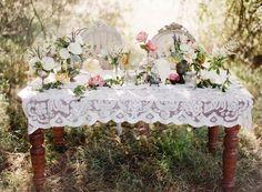beautiful sweetheart table  thefoundblog.com