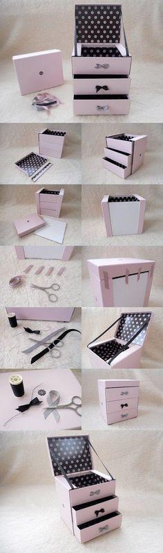DIY Glossybox Jewellery Box diy jewelry box Easy Weekend DIY Projects For Girls Jewerly Box Diy, Diy Jewelry Box, Jewelry Ideas, Diy Jewellery Box Cardboard, Jewelry Making, Jewelry Art, Jewelry Gifts, Gold Jewelry, Jewelery