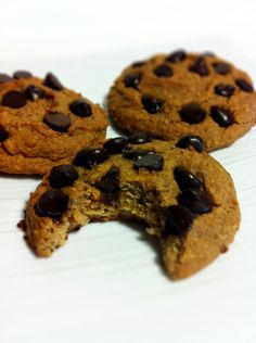 Healthy, Gluten-free  Chocolate Chip Protein Cookies! made with chickpeas!!!