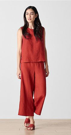 Shop women's casual clothing that effortlessly combines timeless, elegant lines with eco-friendly fabrics from EILEEN FISHER. Casual Summer Outfits, Chic Outfits, Eileen Fisher, Look Fashion, Womens Fashion, Fashion Trends, Fashion Ideas, Fashion 2018, Linen Dresses