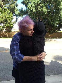 I want a Michael hug< I want a group hug I think that'd be incredible 5sos Michael Clifford, Mikey Clifford, I Want A Hug, 5sos Pictures, 5sos Pics, Luke Roberts, Australian Men, Calum Hood, Big Hugs