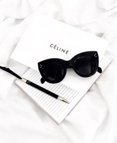 Radiate exquisite style and class in Celine sunglasses. Credit: alicehoney sunglasses Men's & Women's Designer Sunglasses - Dior, Ray-Ban & More! Dior Sunglasses, Summer Sunglasses, Black Sunglasses, Cat Eye Sunglasses, Sunnies, Black Top And Jeans, Celebrity Casual Outfits, Women Accessories, Clothes