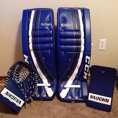 Here's a user submitted CCM EFlex Pro setup with matching Vaughn V6 gloves. Impressive!