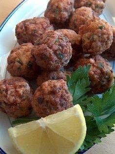 KEFTEDES, greek food, greece, keftedakia, greek meatballs