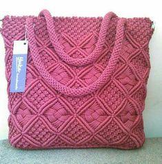 Macrame: ideas from around the world . - Macrame: bags, baskets, cases (from the Internet) Macrame Purse, Macrame Dress, Macrame Knots, Micro Macramé, Crochet Handbags, Crochet Purses, Crochet Shell Stitch, Macrame Design, Crochet Shoes