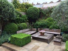Buy Flowers Online Same Day Delivery Bowles Wyer Landscape Architects Private Garden, West London Landscaping Retaining Walls, Modern Landscaping, Backyard Landscaping, Small City Garden, Small Gardens, Home And Garden, West London, Porches, Landscape Design