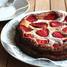 An addictive strawberry cake so tasty it is. No sugar, no fat, low calorie!