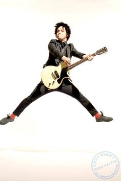 Billie Joe Armstrong defying gravity like only he can