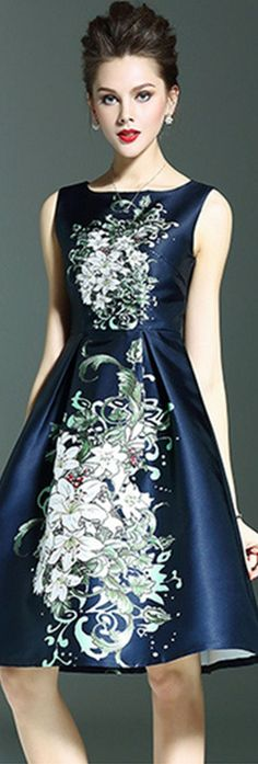 Navy Blue Sleeveless Floral Pleated Dress