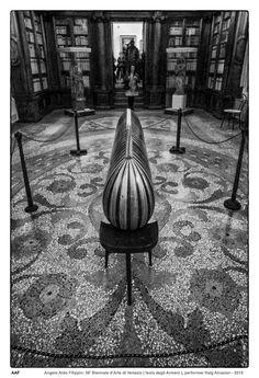 https://flic.kr/p/Hdwccx | 56' Biennale d'Arte di Venezia ( Isola degli Armeni ), performer Haig Aivazian - Venezia 2015