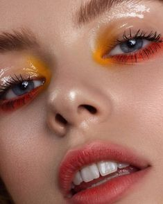 18 Glossy Makeup Ideas For The Glow Addicts Glossy Makeup, Eye Makeup Art, Glossy Eyes, Makeup Inspo, Eyeshadow Makeup, Makeup Cosmetics, Makeup Inspiration, Beauty Makeup, Makeup Ideas