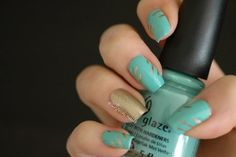 Modern gold and turquoise tape manicure video tutorial. Follow 'linjwin' http://bellashoot.com to see more of this...