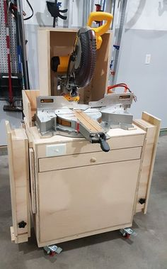 Miter saw cart with dust hood, thien dust seperator. Dewalt 779