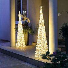Leucht-Pyramiden mit LED Beleuchtung für Weihnachten