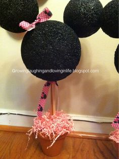 Minnie Mouse Birthday Party decor