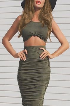 Sexy Sleeveless Scoop Collar Twist Army Green Crop Top + Ruched Skirt Twinset For Women