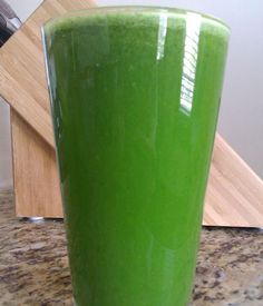This recipe is for beginners that are looking for a green juice that tastes great. It's sweet while having a nice citrus flavor to it.  To make a 16oz glass of this juice you will need:  Apples – 2 medium Celery – 1 large stalk Lemon (with rind) – 1/4 fruit Orange (peeled) – 1 Large Spinach – 3 handfuls Ginger – 1/4 thumb  Read More: http://juicing101.info/beginner-green-juice