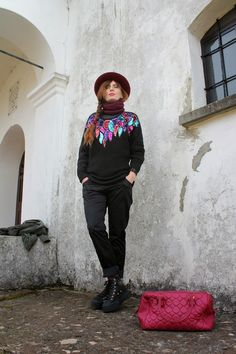 My personal outfit wearing black and burgundy ...#outfit #fashionblog #fashionblogger #hat #hats #bag #flatform #sneakers #sporty #cool #streetstyle #girl #winter #sequins #vintage @manzonihats