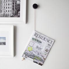 Simple DIY hanging magazine holder  #diy #doityourself #magazine #storage #designsponge