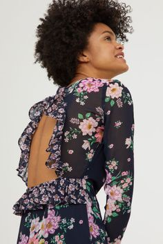 Patterned chiffon dress Model