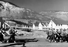 Getting Ready for WW-2 : The 10th Mountain Division Manoeuvres in the US