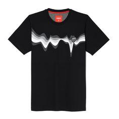 Koszulka LAVA BLACK Klasyczna, męska koszulka Prosto Klasyk z dużą grafiką na piersi. Na nadruk naszyta żakardowa tarcza. Ozdobne wykończenie wnętrza karku. Regularny, prosty krój. Lava, V Neck, Model, T Shirt, Tops, Fashion, Tee, Moda