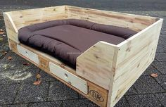 Wood Pallet XXL dog bed made of Europalette by Dirks and the DaWanda on DaWanda Xxl Dog Beds, Cute Dog Beds, Pet Beds, Pallet Dog Beds, Pallet Walls, Pallet Furniture, Furniture Ideas, Wooden Pallet Crafts, Diy Pallet Projects