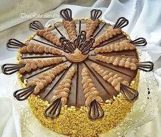 Egy igazán fantasztikus csokitorta receptet hoztunk nektek :) Bármelyik cukrász megirigyelné! :) - MindenegybenBlog Cookie Recipes, Dessert Recipes, Non Plus Ultra, Cold Desserts, Hungarian Recipes, Party Treats, World Recipes, Sweet Cakes, Let Them Eat Cake