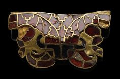 Gold and garnet fitting with two animals/birds, from the Staffordshire Hoard.