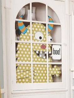 lol. To bad I don't have a cabinet to do this in. This is super cute