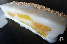 A small wink of eye to travellers with this dessert vietnamese that combines the coconut milk and plantain, and this is good ! Banh chuôi hâp nuoc dua – Cake steamed coconut, banana Ingredients 25 cl of coconut milk 2 small bananas plantain ripe 60 g of cane sugar 60 g flour tapioca 30 g...  Read more »