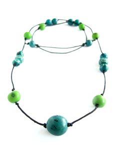 Ketten mittellang - Tagua Acai Kette    türkis blau grün    - ein Designerstück von ringlringl bei DaWanda 25 EUR
