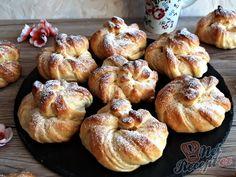 Sladké věnečky z kynutého těsta   NejRecept.cz Bagel, Doughnut, Bread, Baking, Bread Making, Patisserie, Backen, Breads, Sweets