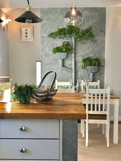 """Create something special with Slate-Lite, the paperthin real stone veneer. Here in the british tv show """"Sarah Beenys renovate don't relocate"""". Real Stone Veneer, Natural Stone Veneer, Stone Veneer Sheets, Natural Stone Cladding, Interior And Exterior, Interior Design, Furniture Projects, Flooring, 3d Wall"""
