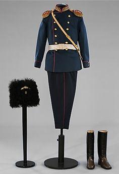 Alexei's lieutenant uniform for the12th East Siberian Riflemen Regiment. 1910