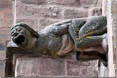 Photo Femme gargouille - Cathédrale Notre Dame de Rodez - Woman gargoyle - Rodez - Aveyron - France picture Gargouilles et chimères photos Gargoyles & chimeras Photos Image