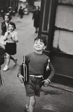 Henri Cartier-Bresson. Rue Mouffetard, Paris. 1954 | MoMA Robert Mapplethorpe, Robert Doisneau, Street Art Photography, Color Photography, Film Photography, Fashion Photography, Urban Photography, Travel Photography, Landscape Photography