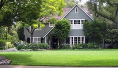 This is the home that was used for the filming of the TV series Family with Kristy McNichol and Meredith Baxter. The series ran from 1976 to This is a private home in the city of Pasadena California. This home is located at 1230 Milan Ave, South Pasadena. Tv Show Family, Family Tv Series, Home Building Tips, Building A House, Real Estate Articles, Home Technology, State Of The Union, My Dream Home, Dream Homes