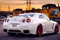 Nissan GT-R                                                                                                                                                                                 Plus